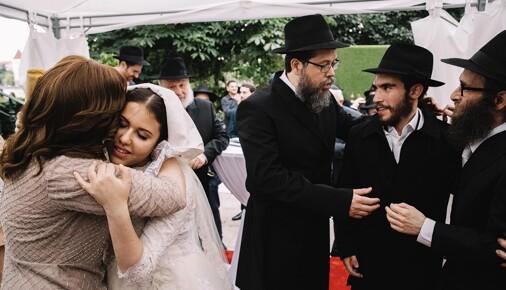 Příběhy fotografií: Jan Zátorský – Chasidská svatba