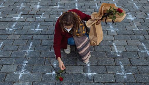 Série měsíce března – Lukáš Bíba – Kříže na Staroměstském náměstí