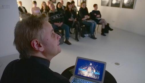 Roman Vondrouš: mistr bizáru a nadsázky
