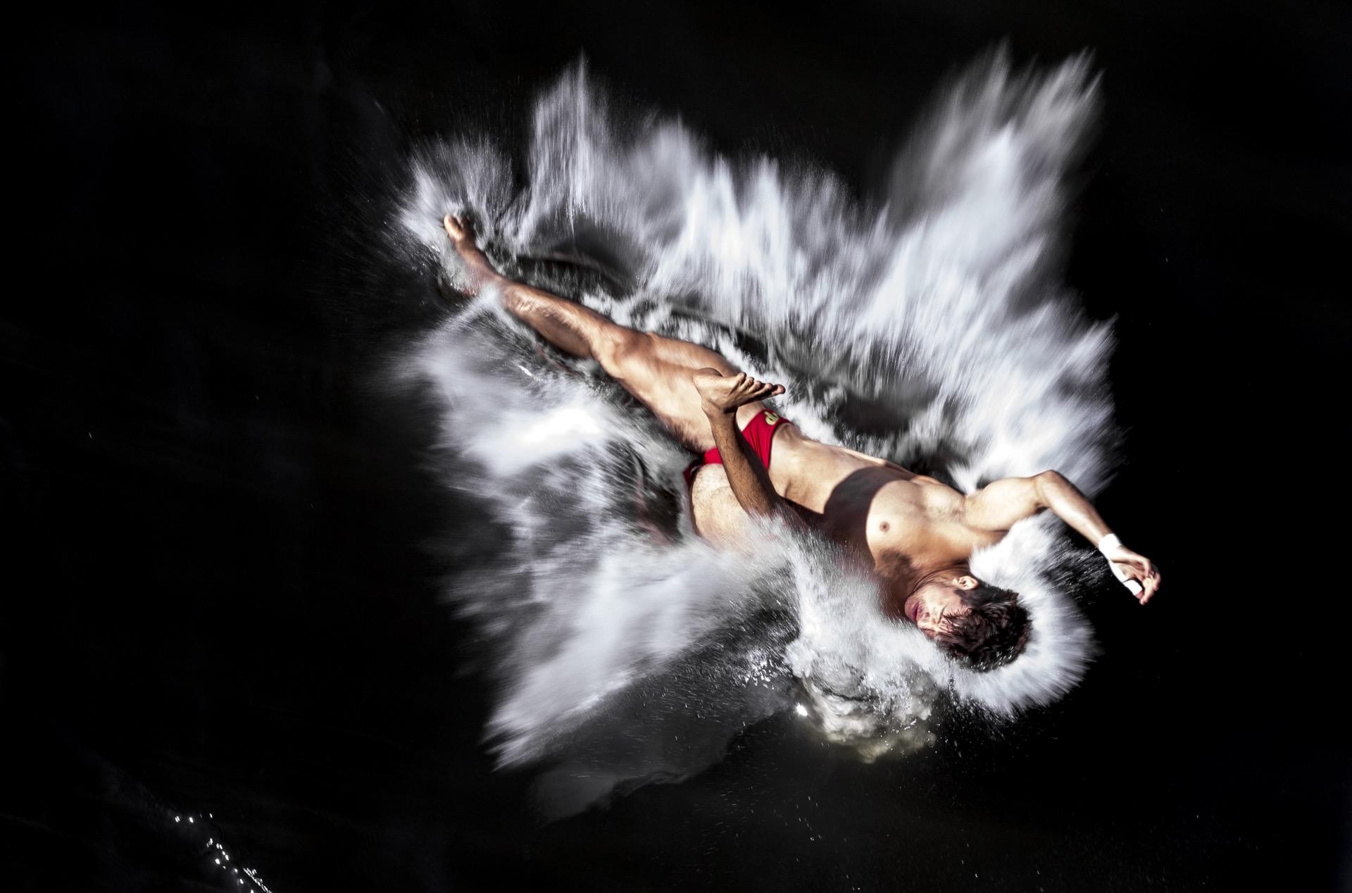 [/blog/sport_296_tomas-krist_872_skokan-do-vody_001.jpg]
